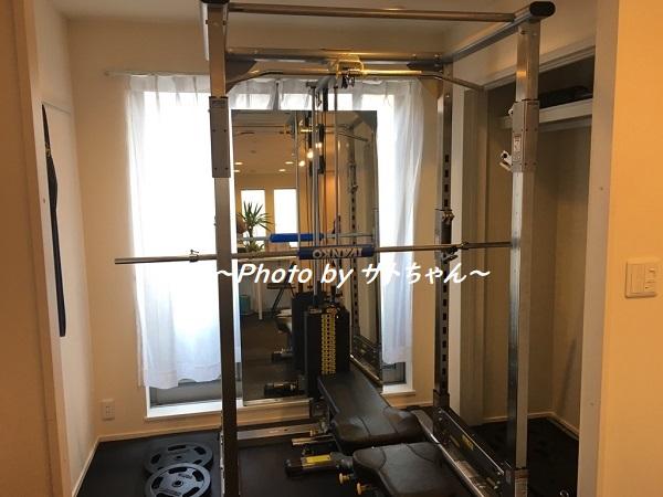 ダイエット専門のプライベートジム-esthree(エススリー)のトレーニングマシン
